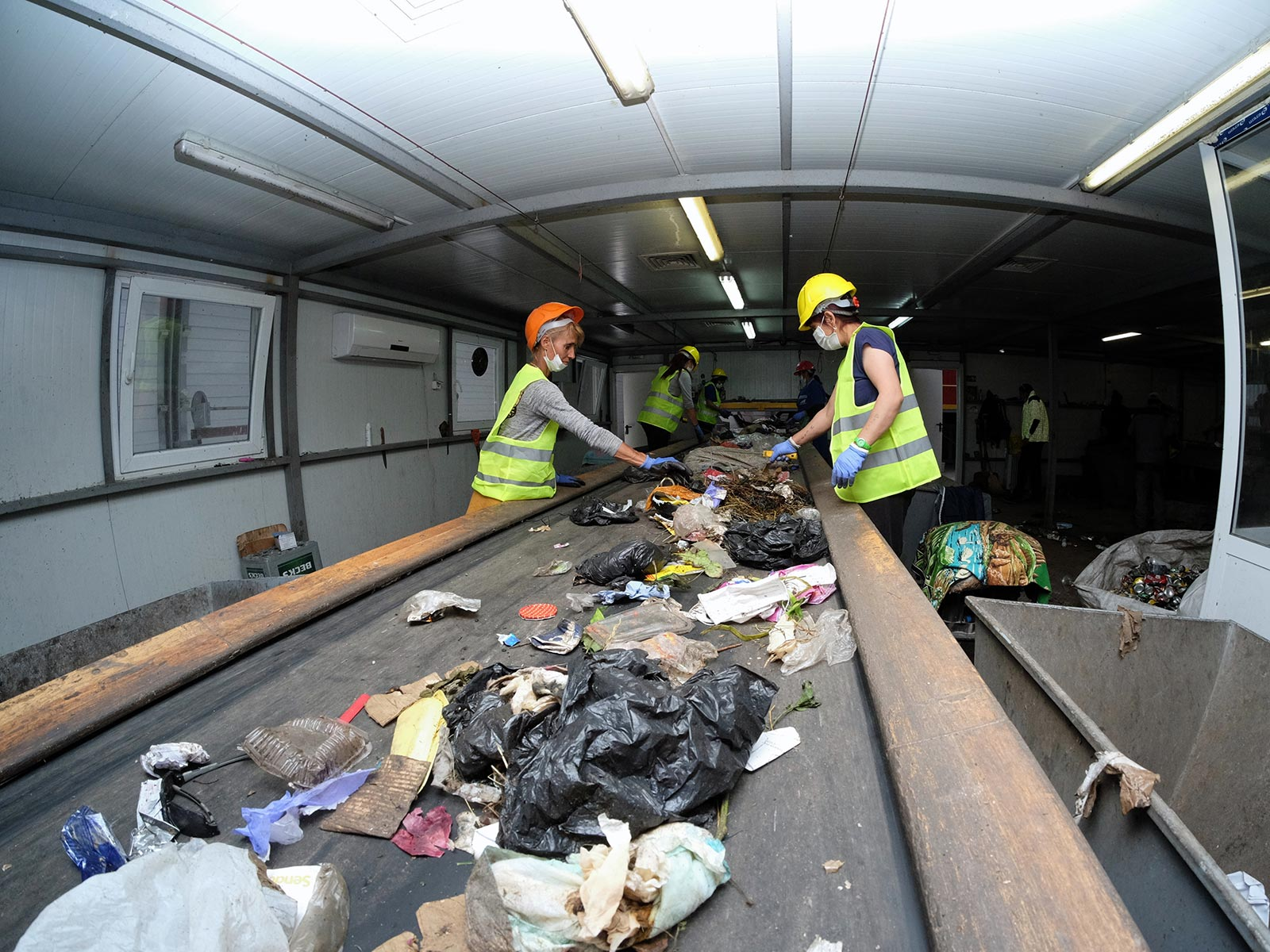Евростат: Едва 30% от отпадъците в България се рециклират